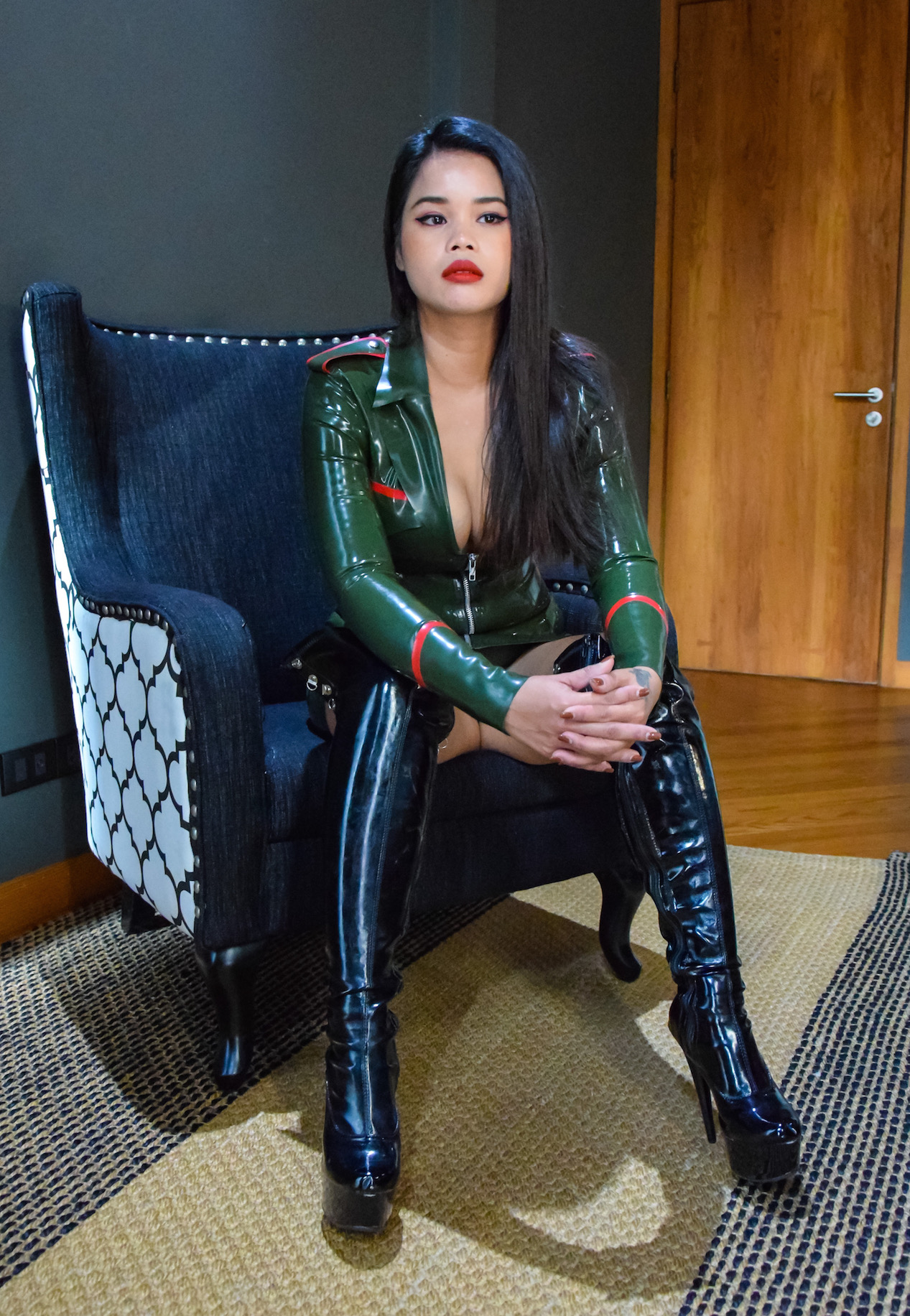 Mistress Domination Bangkok Hq Porn Pics